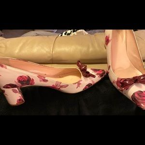 Kate Spade Pretty floral point toe pump